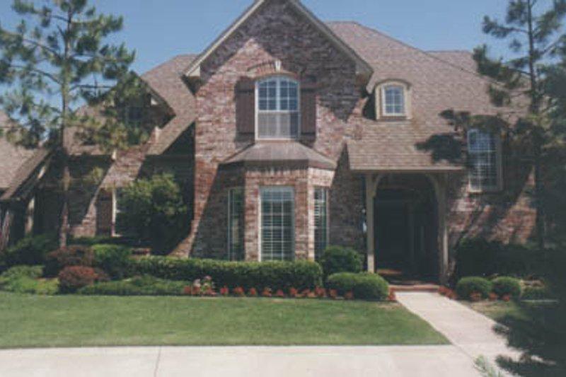 House Plan Design - European Exterior - Front Elevation Plan #52-129