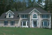Traditional Style House Plan - 4 Beds 2.5 Baths 2668 Sq/Ft Plan #75-145 Exterior - Front Elevation