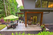 Contemporary Style House Plan - 3 Beds 3 Baths 2287 Sq/Ft Plan #1070-7 Exterior - Outdoor Living