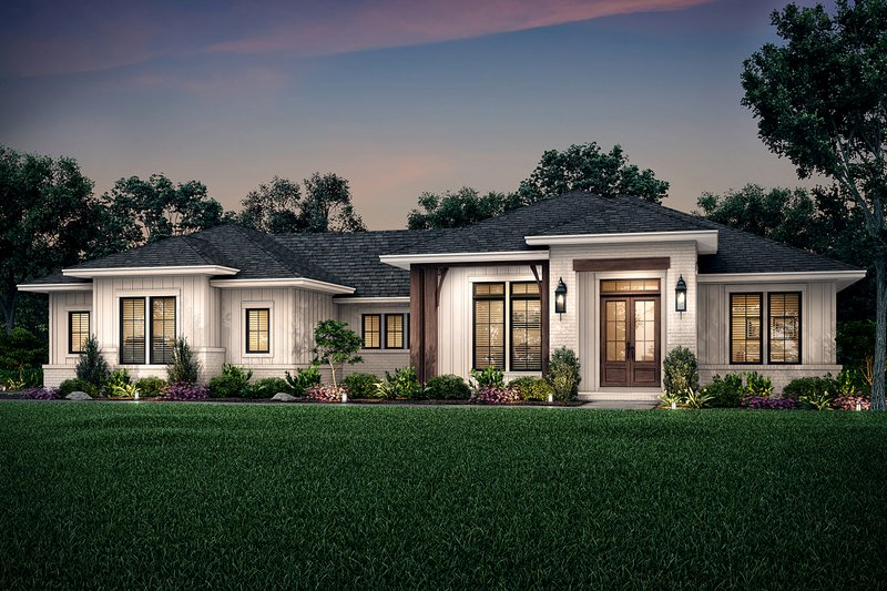 Ranch Style House Plan - 3 Beds 2.5 Baths 2330 Sq/Ft Plan #430-211 Exterior - Front Elevation