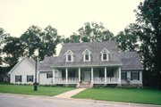 Southern Style House Plan - 4 Beds 4 Baths 3102 Sq/Ft Plan #52-116 Exterior - Front Elevation