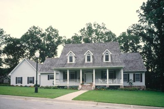 Southern Exterior - Front Elevation Plan #52-116