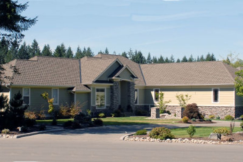 Dream House Plan - Ranch Exterior - Front Elevation Plan #48-301