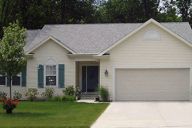 Home Plan Design - Ranch Exterior - Front Elevation Plan #20-587