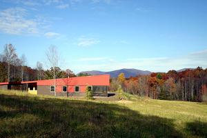 Modern Exterior - Front Elevation Plan #488-1