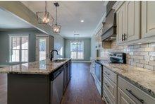 Craftsman Interior - Kitchen Plan #430-172