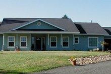 Farmhouse Exterior - Front Elevation Plan #124-369
