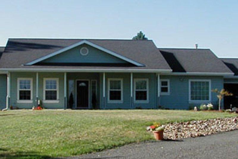 Architectural House Design - Farmhouse Exterior - Front Elevation Plan #124-369