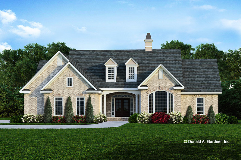 Traditional Exterior - Front Elevation Plan #929-272