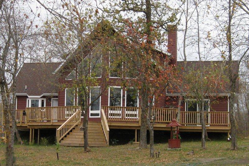 Contemporary Exterior - Front Elevation Plan #124-264 - Houseplans.com