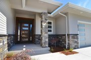 Prairie Style House Plan - 3 Beds 2 Baths 2362 Sq/Ft Plan #124-1195 Exterior - Front Elevation
