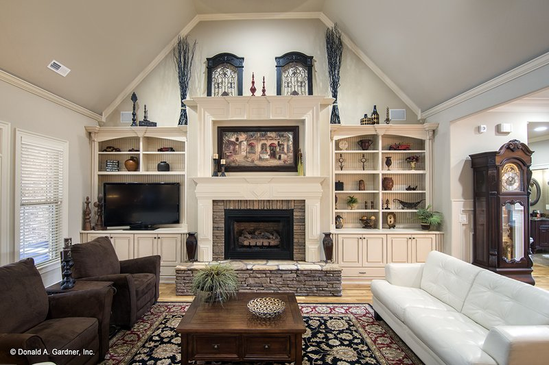 Country Interior - Family Room Plan #929-556 - Houseplans.com