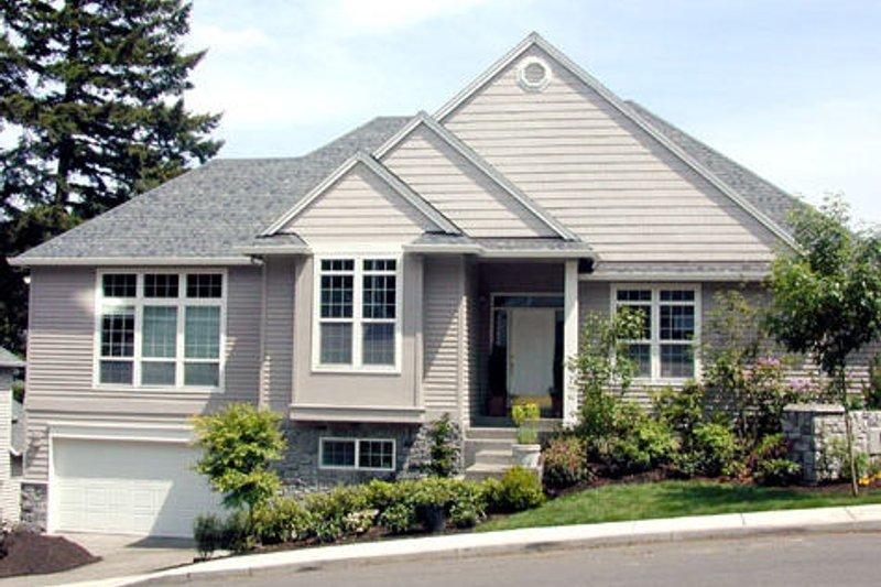 Traditional Photo Plan #48-421 - Houseplans.com