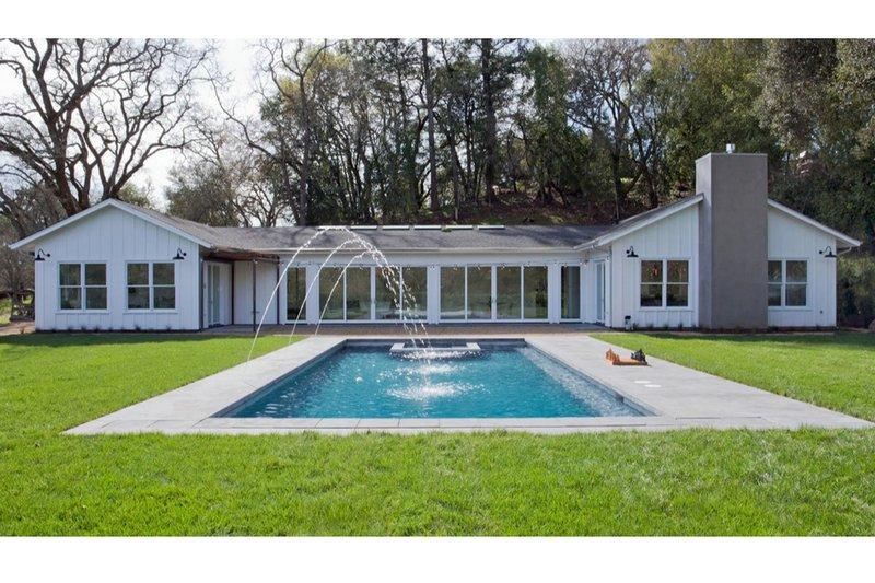 Architectural House Design - Ranch Photo Plan #888-18