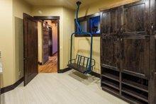 Ranch Interior - Laundry Plan #895-29