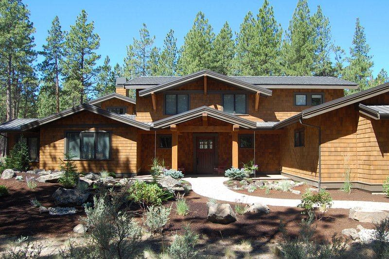 Craftsman Style House Plan - 3 Beds 2.5 Baths 3571 Sq/Ft Plan #895-3 Exterior - Front Elevation