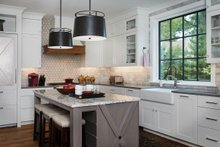 Farmhouse Interior - Kitchen Plan #901-136