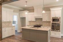 House Plan Design - Craftsman Interior - Kitchen Plan #430-157