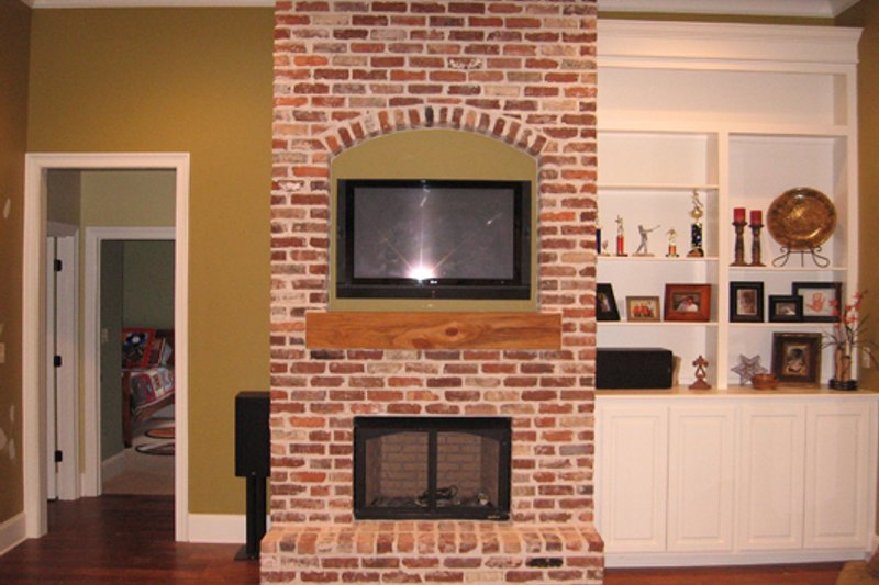Southern Interior - Family Room Plan #430-49 - Houseplans.com