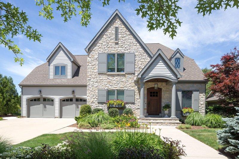 Dream House Plan - Farmhouse Exterior - Front Elevation Plan #901-58