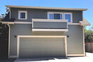 Craftsman Exterior - Front Elevation Plan #895-131