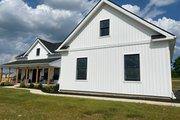 Farmhouse Style House Plan - 3 Beds 2.5 Baths 2282 Sq/Ft Plan #430-160