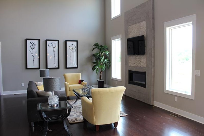 Traditional Interior - Family Room Plan #20-2126 - Houseplans.com
