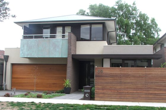 Modern Exterior - Front Elevation Plan #496-5