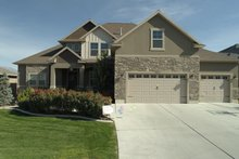 House Plan Design - Traditional Exterior - Front Elevation Plan #1060-69