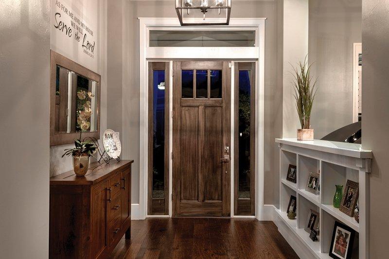 Bungalow Interior - Entry Plan #930-19 - Houseplans.com