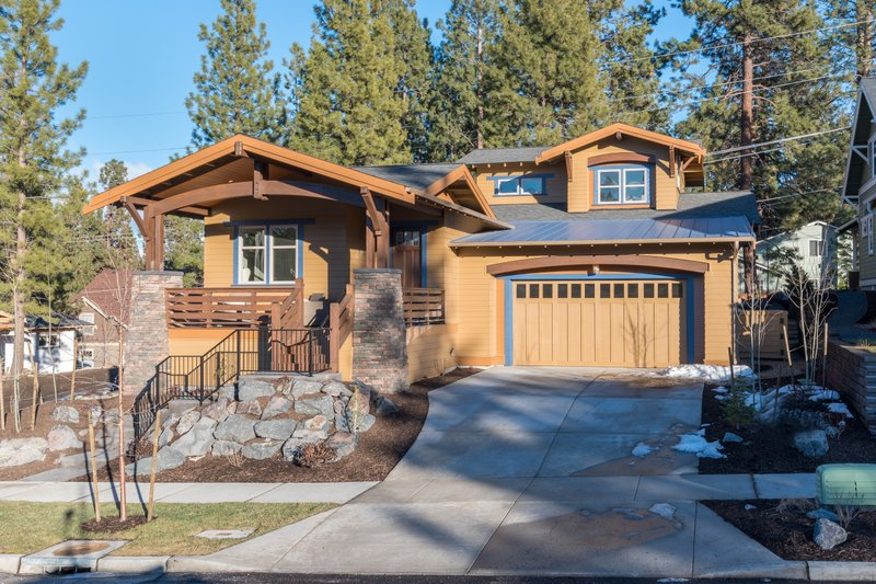Home Plan - Craftsman Exterior - Front Elevation Plan #895-45