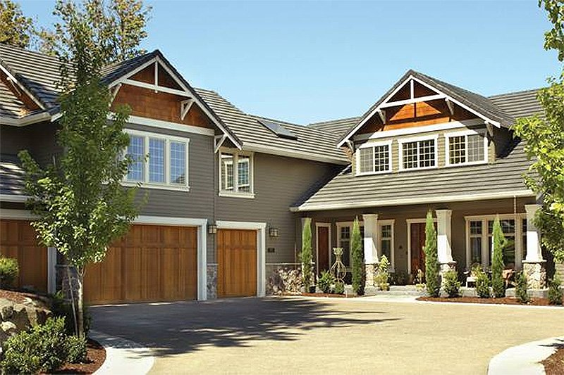 Craftsman Style House Plan - 5 Beds 4.5 Baths 3457 Sq/Ft Plan #48-148 Exterior - Front Elevation