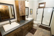 Craftsman Interior - Bathroom Plan #892-11