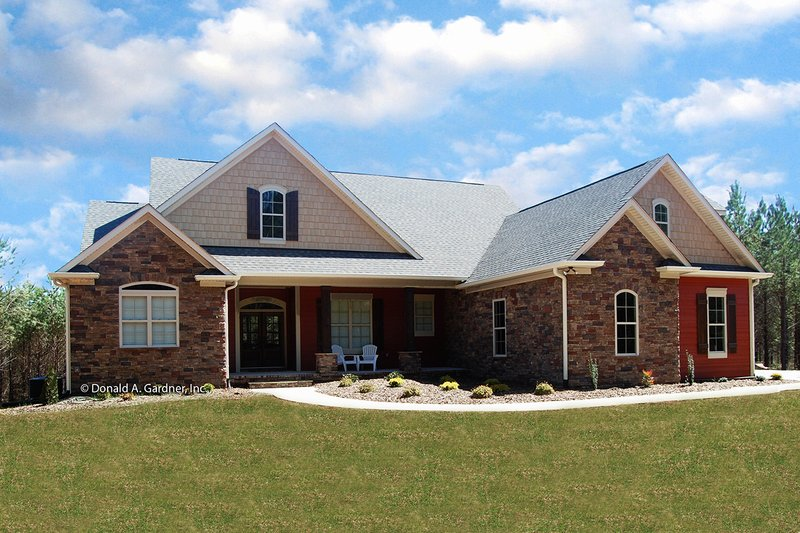 House Plan Design - Traditional Exterior - Front Elevation Plan #929-965
