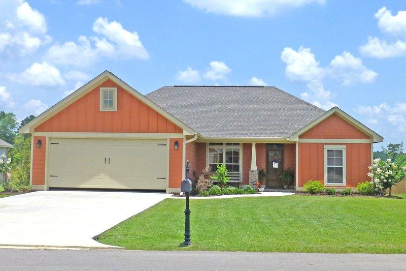 Architectural House Design - Craftsman Exterior - Front Elevation Plan #430-96