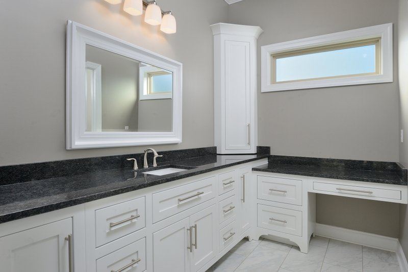 Tudor Interior - Master Bathroom Plan #45-372 - Houseplans.com