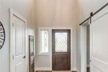 Craftsman Interior - Entry Plan #1070-17