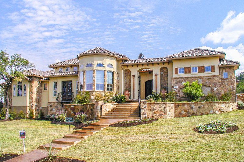 Mediterranean Style House Plan - 4 Beds 4.5 Baths 4776 Sq/Ft Plan #80-124 Exterior - Front Elevation