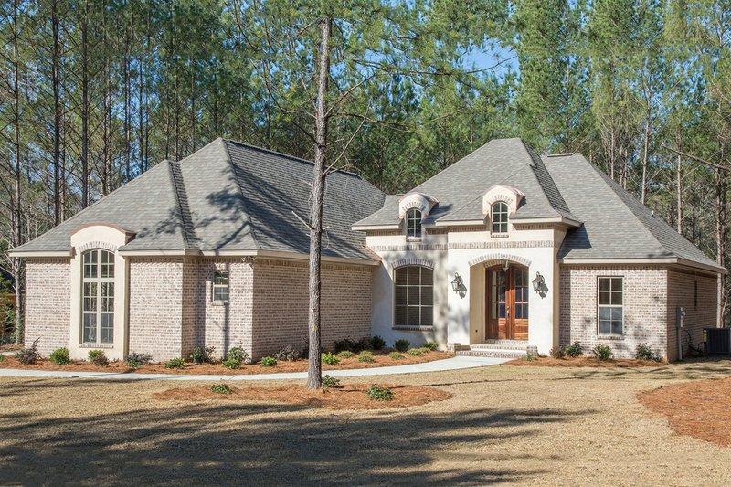 House Plan Design - European Exterior - Front Elevation Plan #430-136
