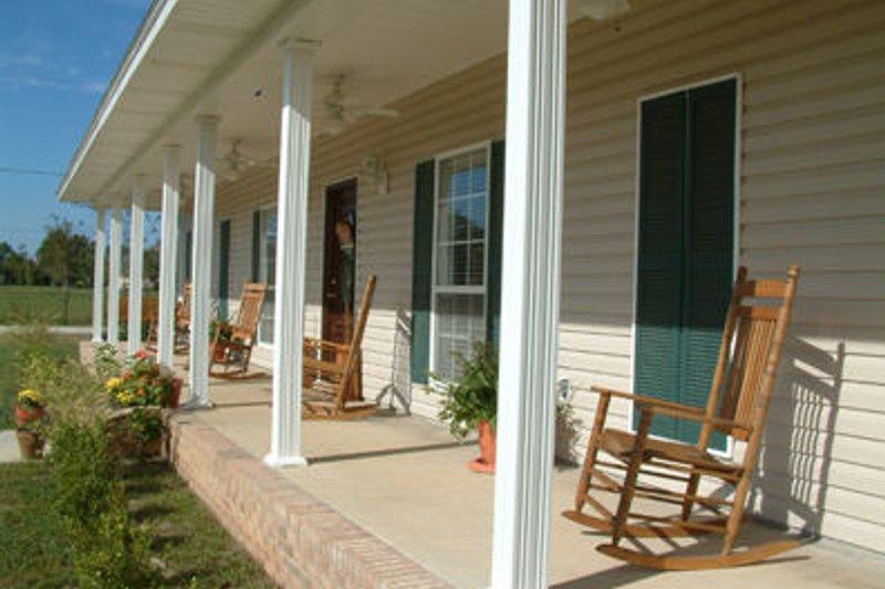 Southern Photo Plan #44-106 - Houseplans.com