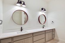 Craftsman Interior - Bathroom Plan #430-179