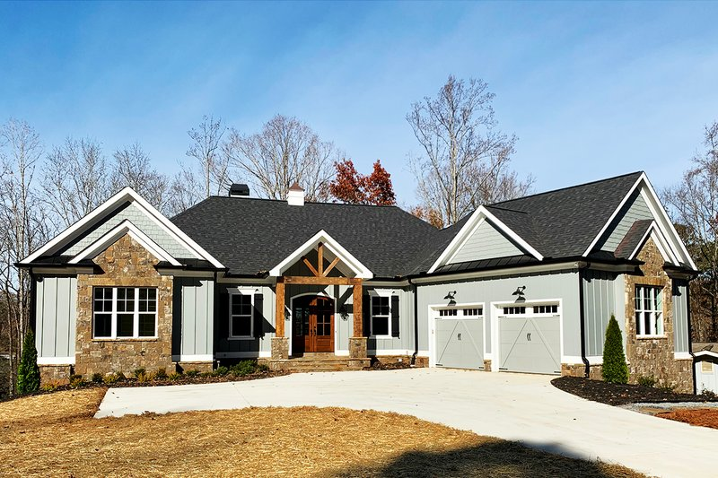 Architectural House Design - Craftsman Exterior - Front Elevation Plan #437-95